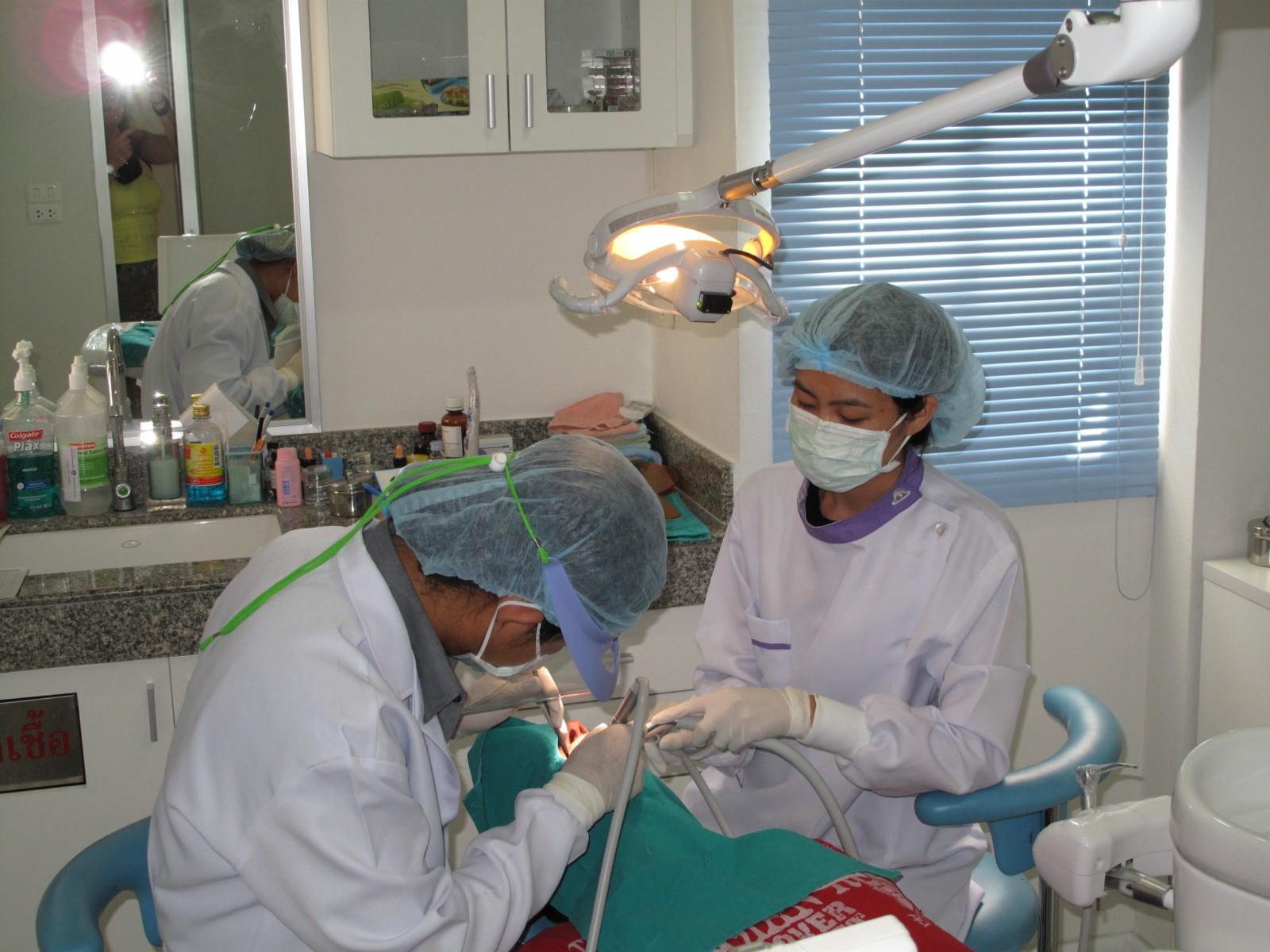 Трахнул зубного врача 9 фотография