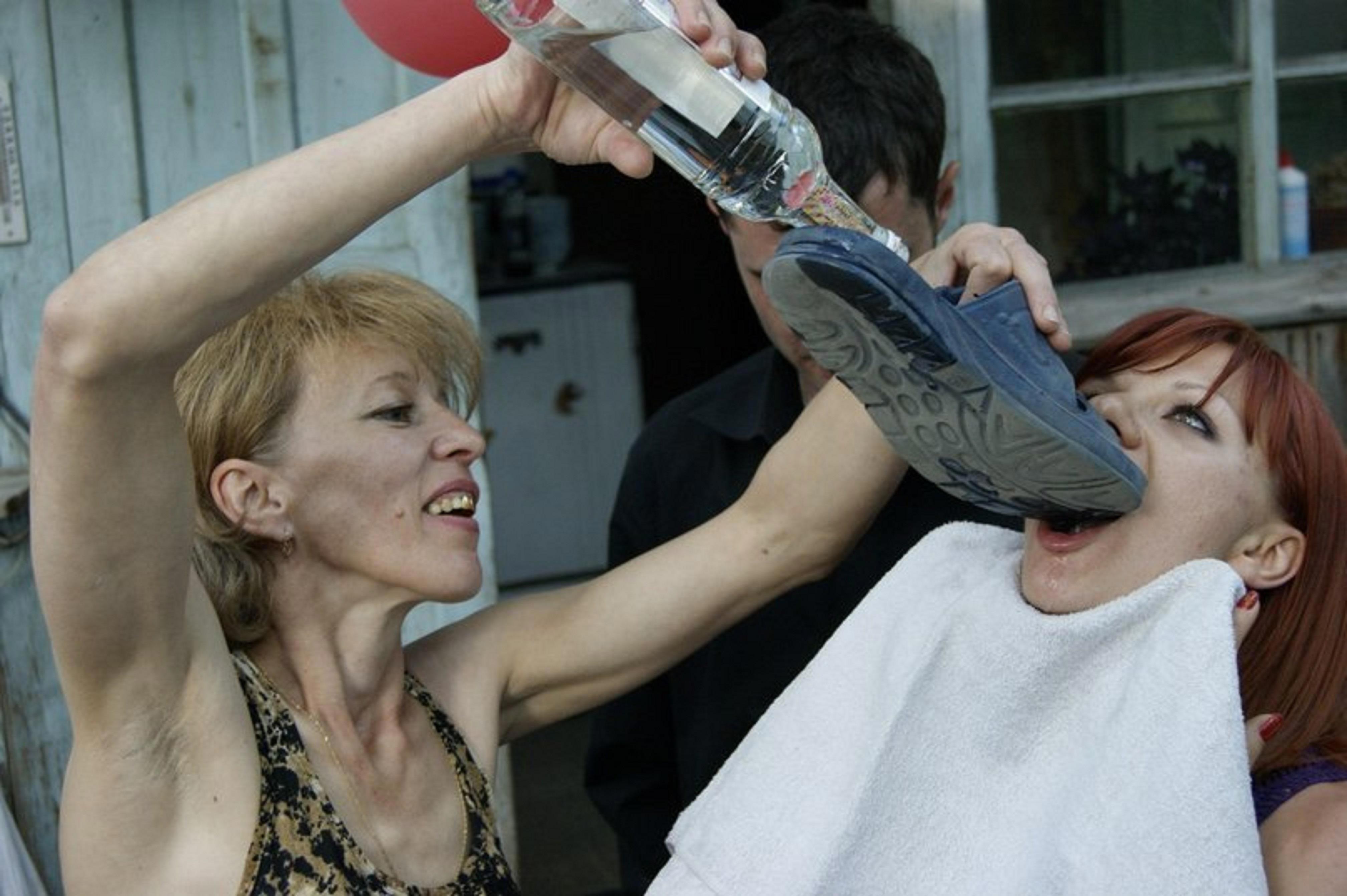 русские пьяные девушки фото
