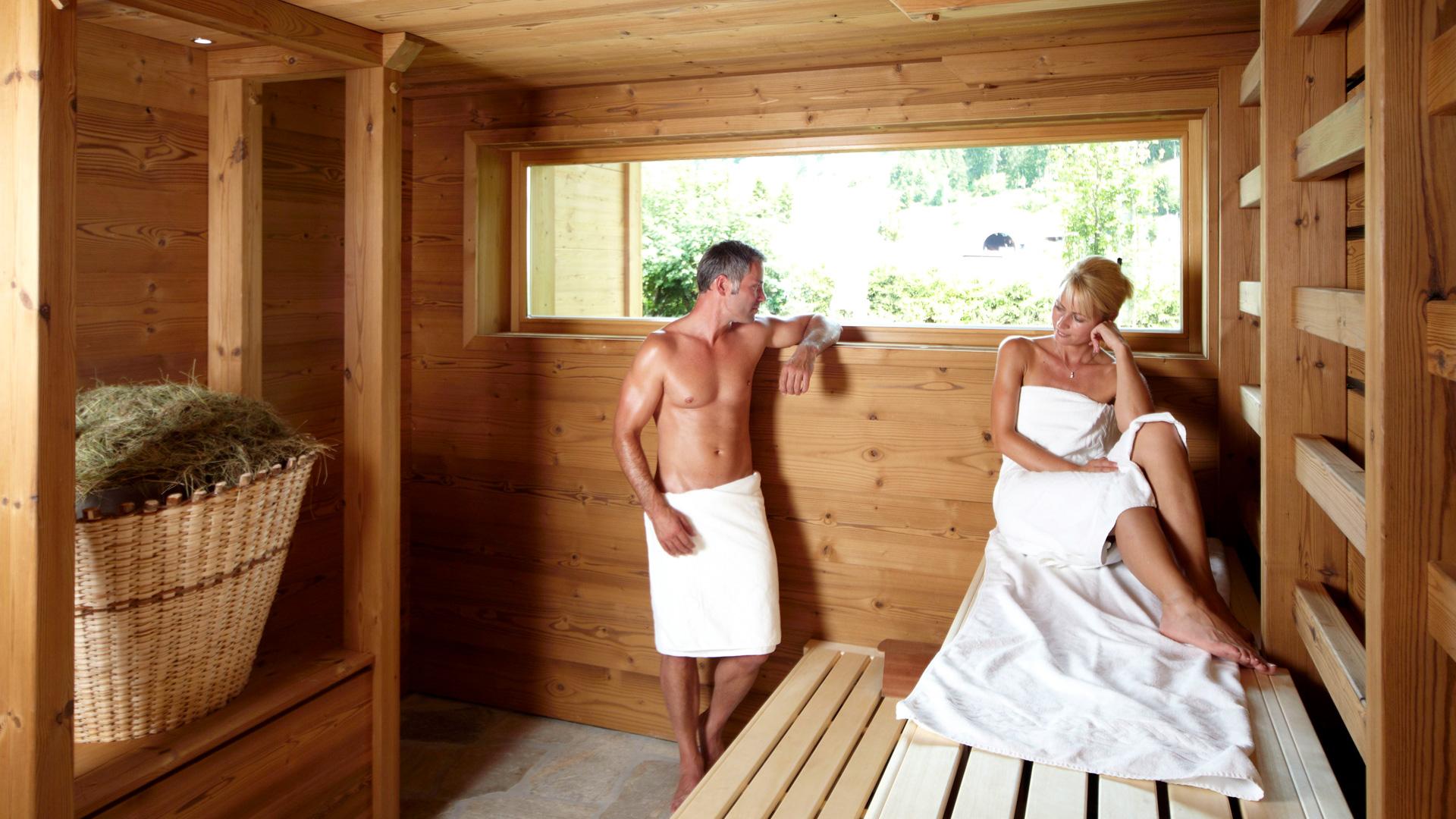 Смотретьпомывка в бане всей семьей онлайн 12 фотография