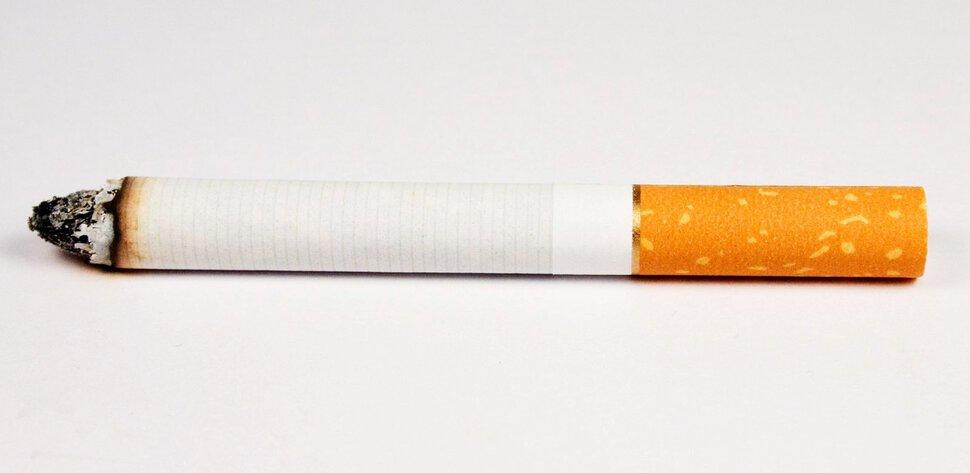как можно приворожить парня через сигарету.
