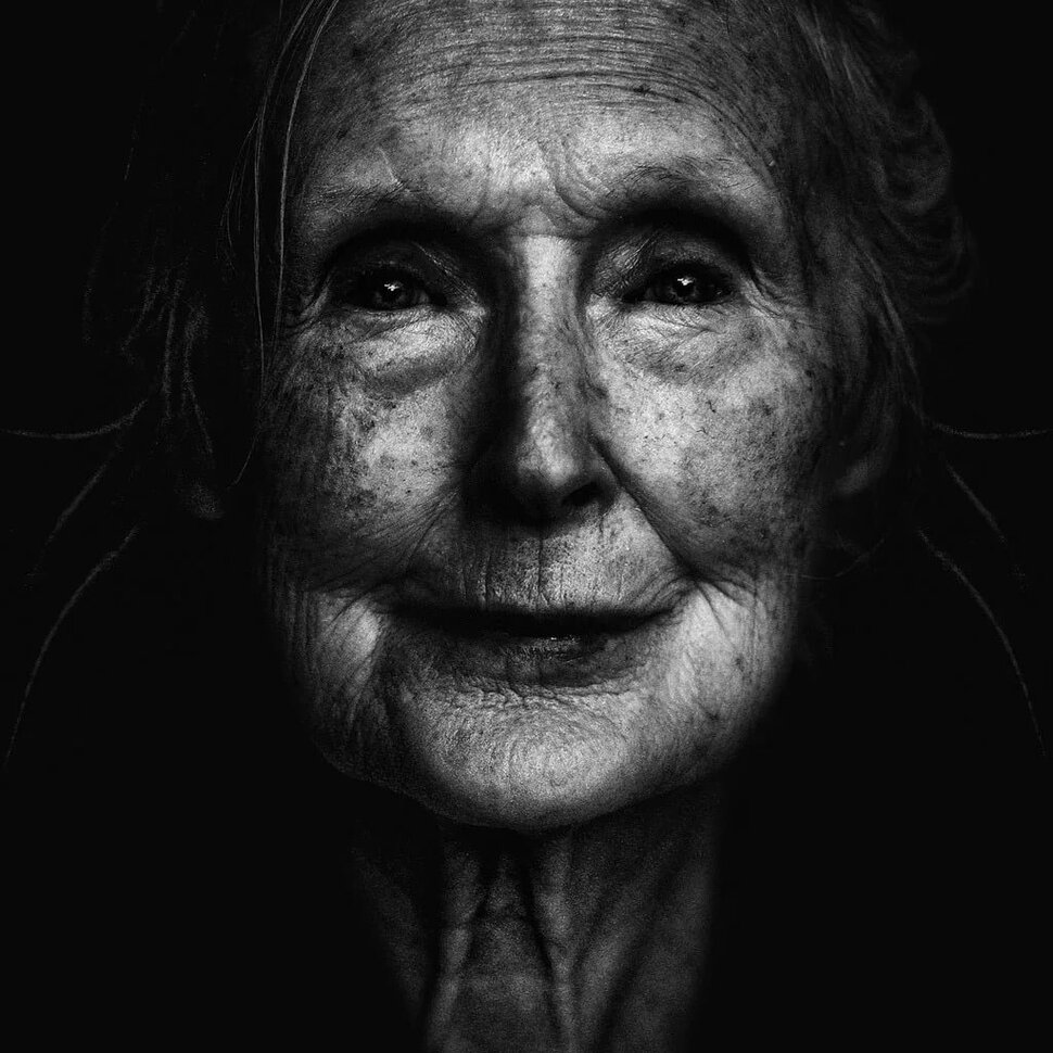 Picture of a black old lady — 3