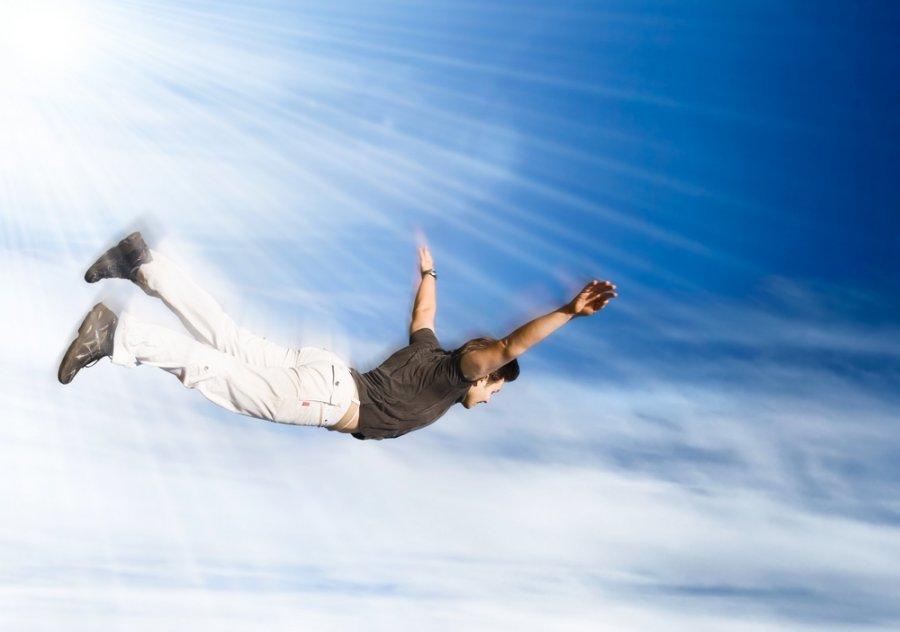 картинка с летящим человечком растений