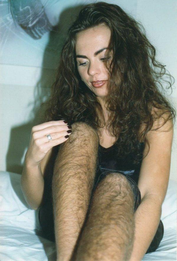 Фото волосатые ноги женщин