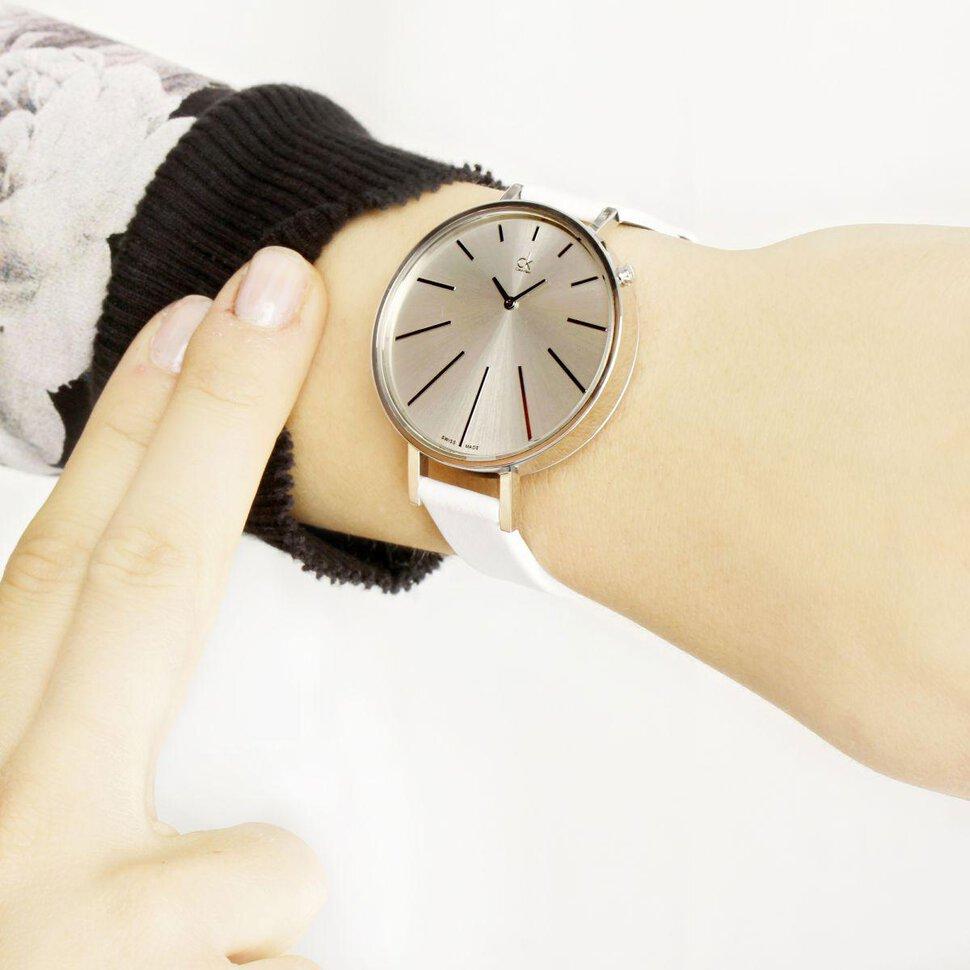 Толкования по материалу и цвету часов: обратить внимание на золотые наручные часы — богатство.