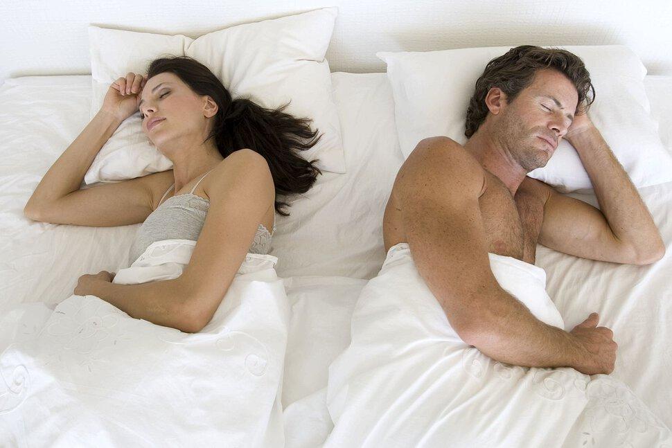 видео в постели супругов пока юра