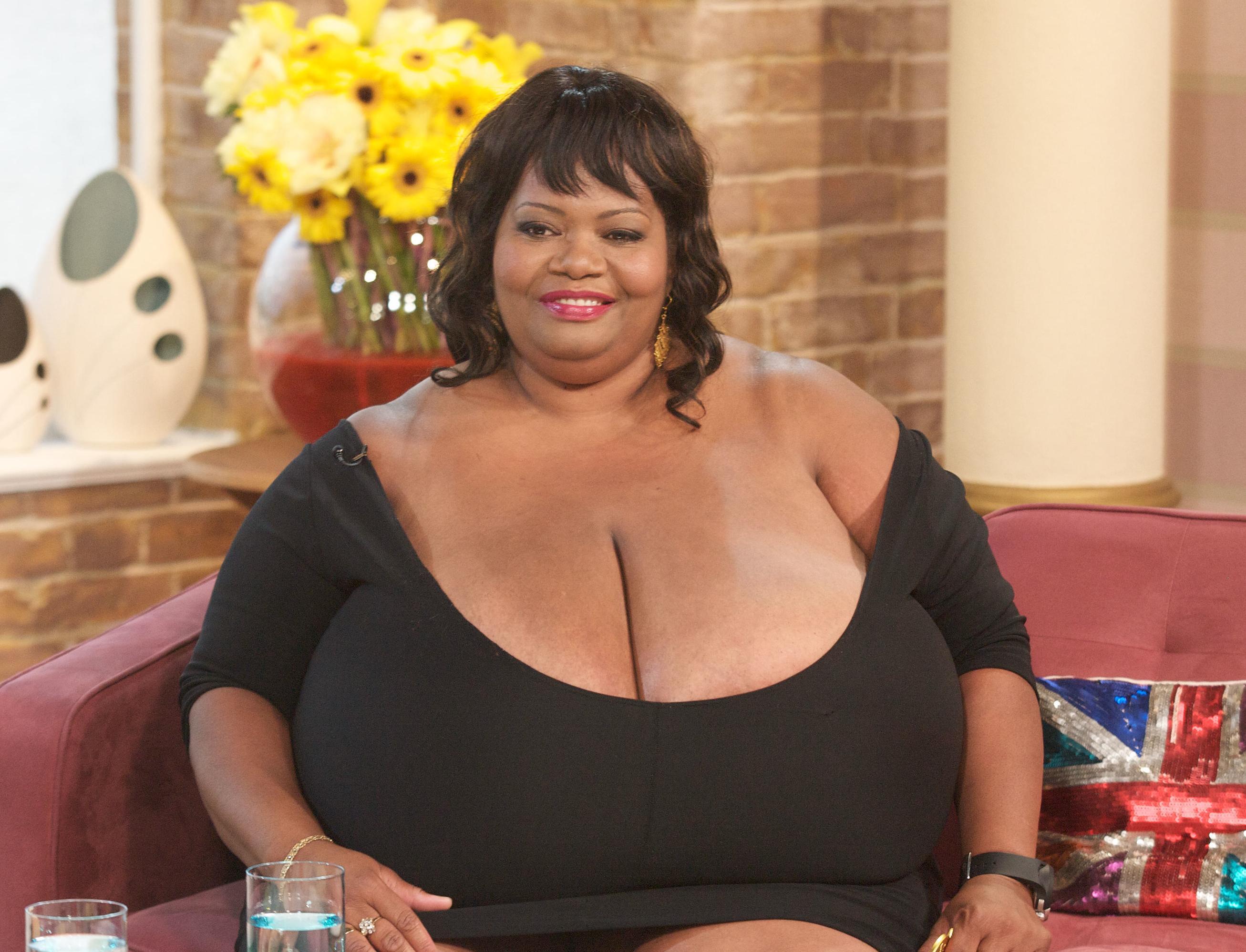 можете совершенно огромный размеры груди вообще, хочу