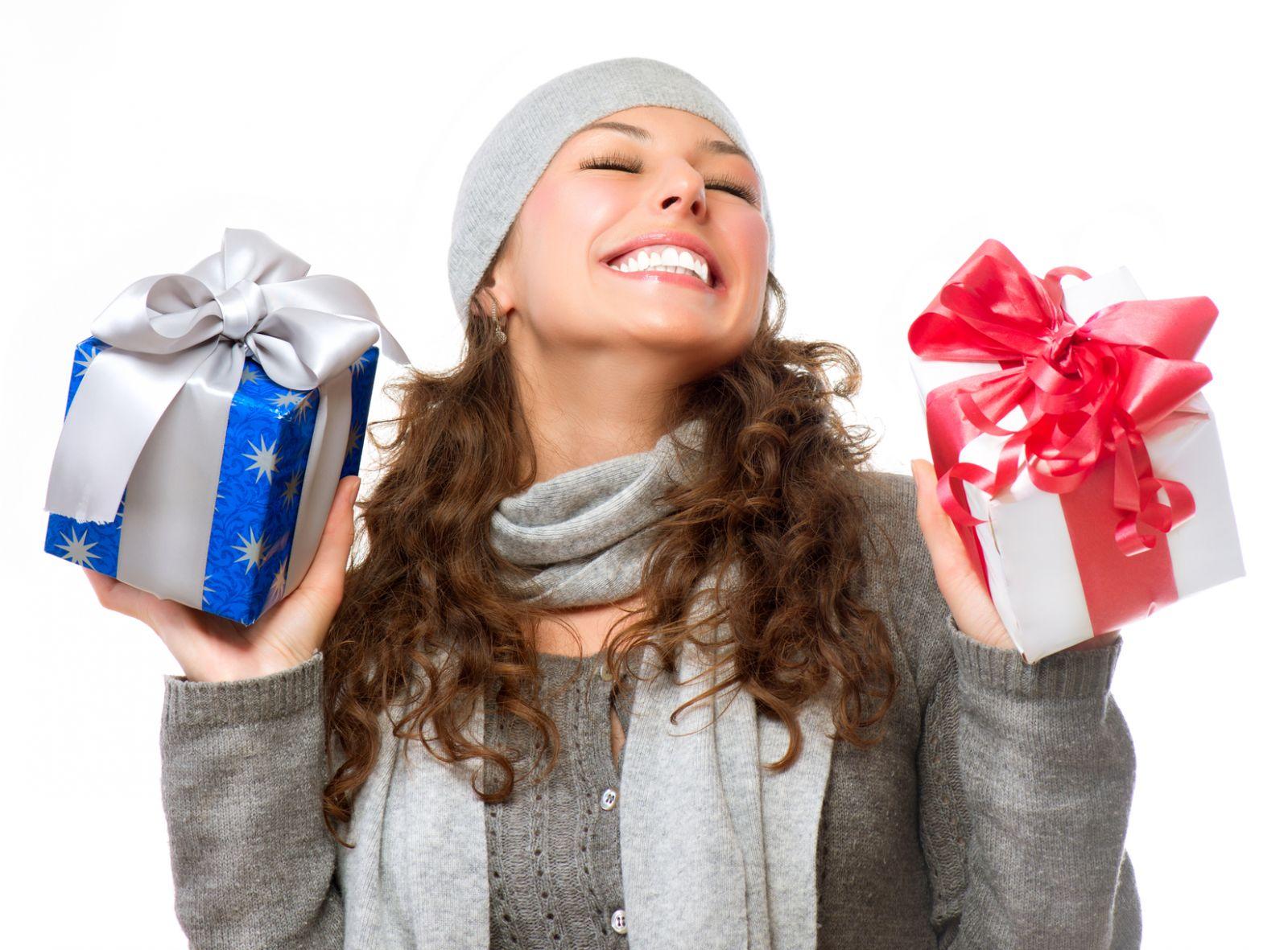 Картинки как девушка получает подарки