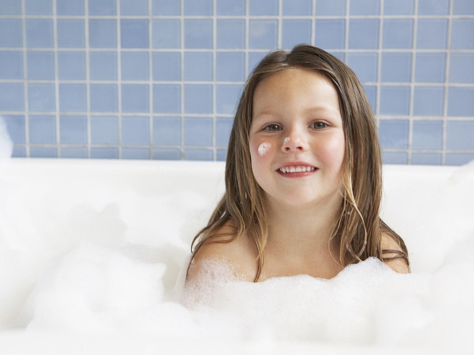 bathing-a-young-teen-malik-fauck-photos