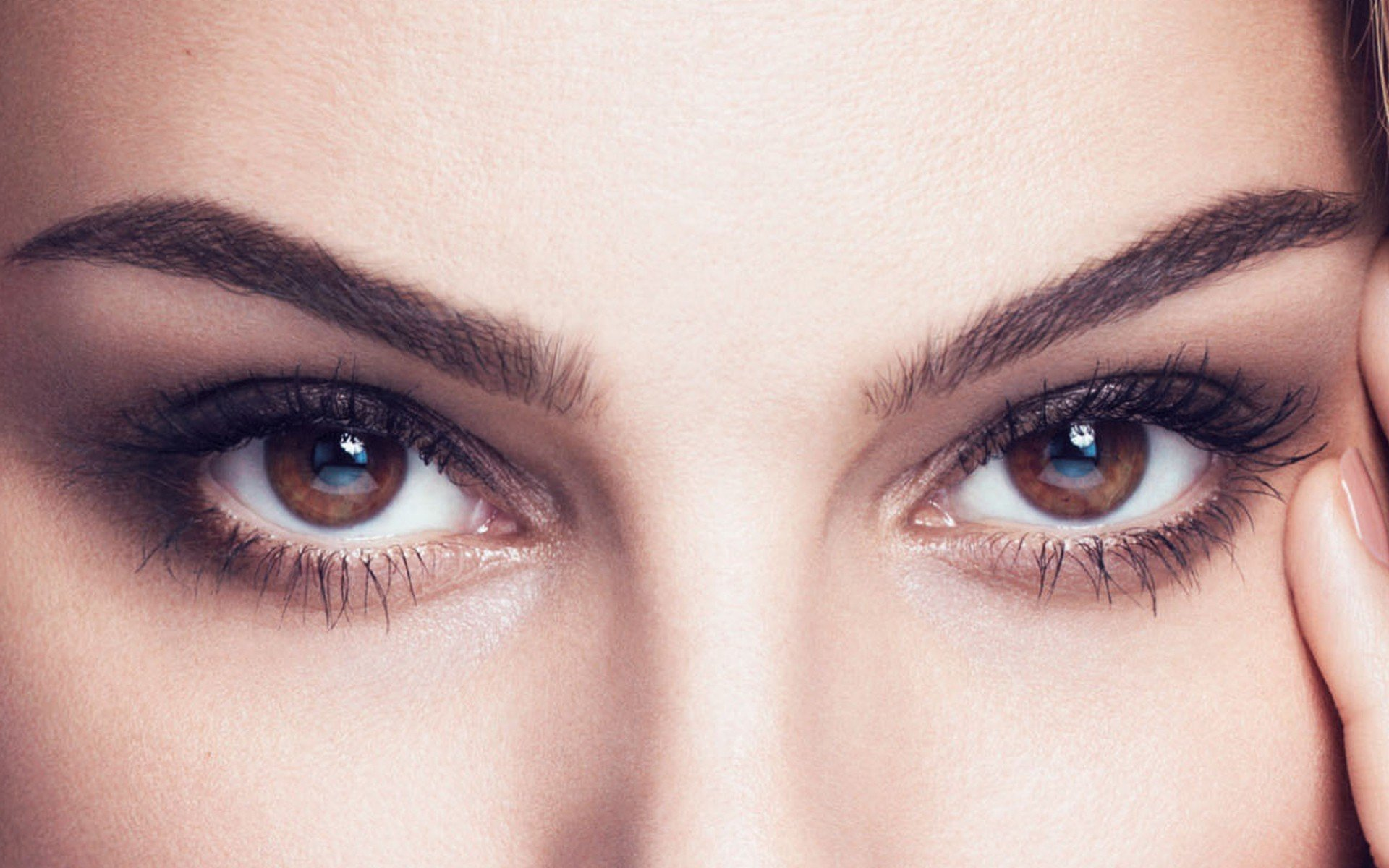 Днем, картинки про красивые глаза девушки