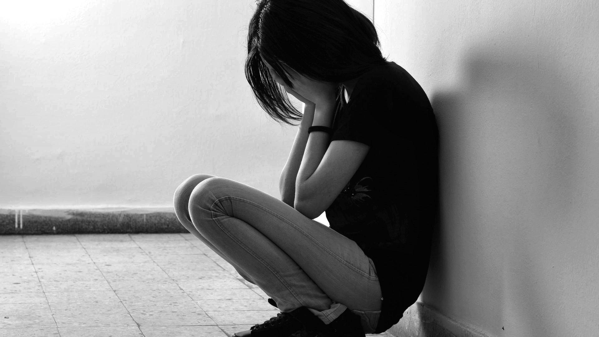 Картинка с плохим настроением девушка плачет, смешные приколы