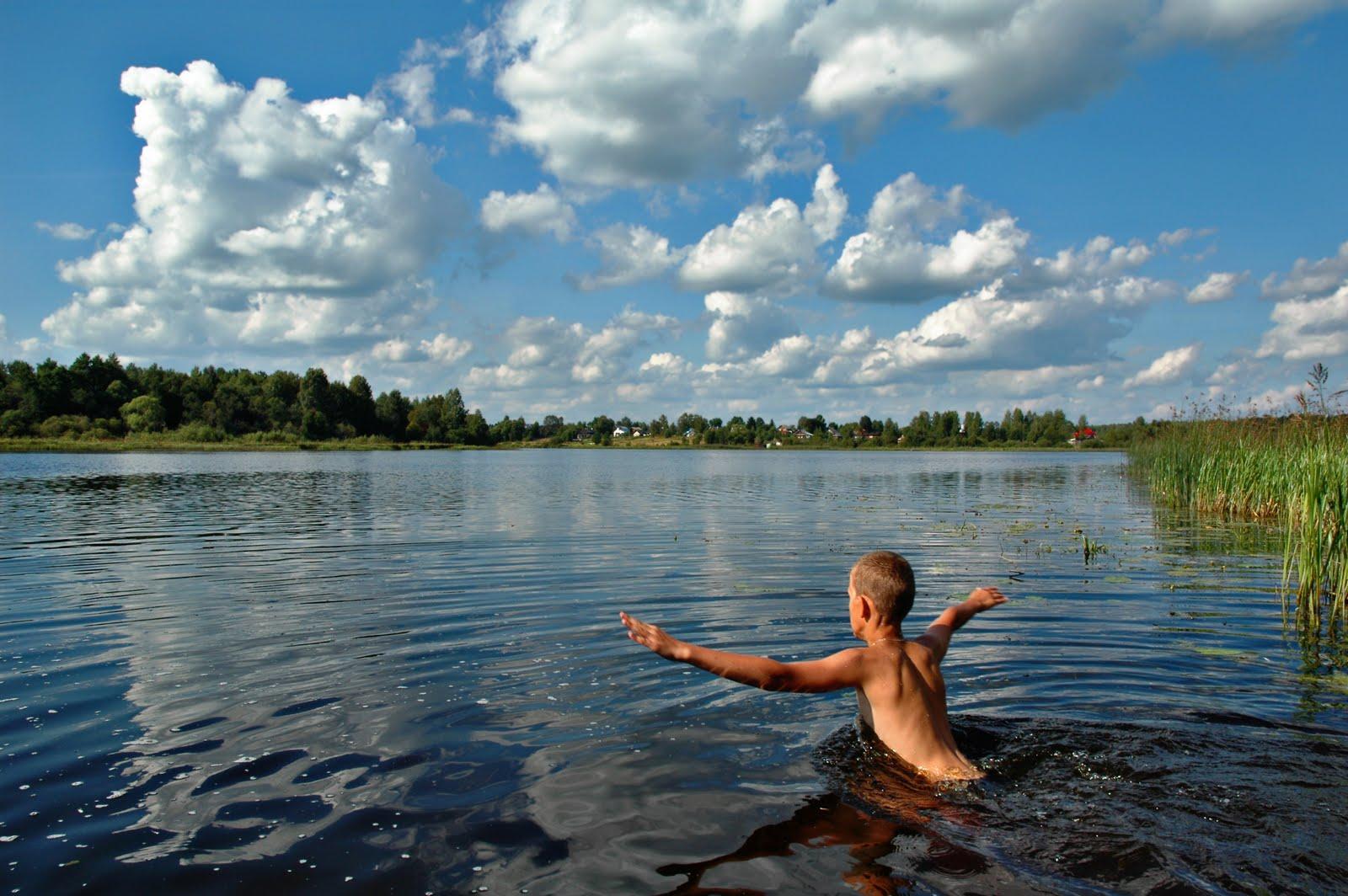 Картинки купание в водоемах летом