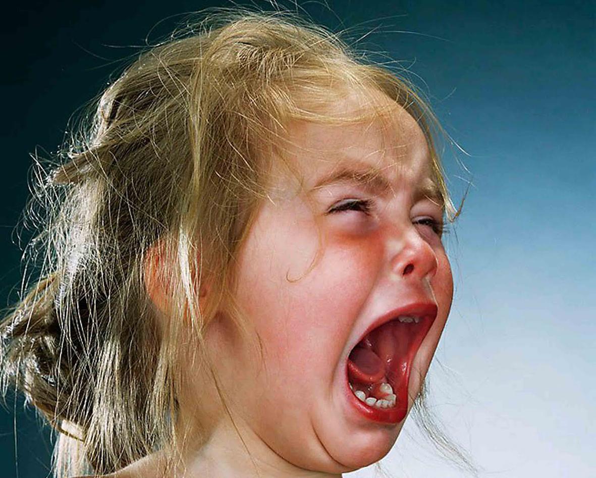 Картинка прикол ребенок плачет, папа