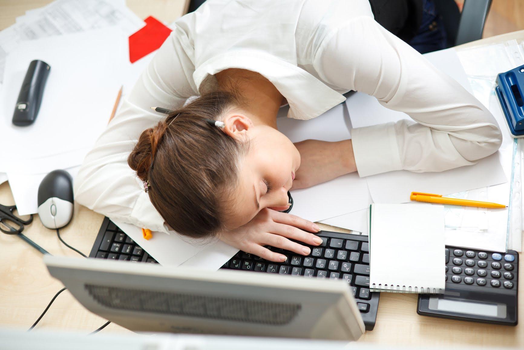 Открытка правильно организованная работа позволяет одному человеку не работать, открыток