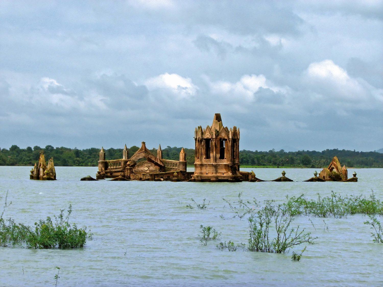 Молога затопленный город фото под водой сейчас