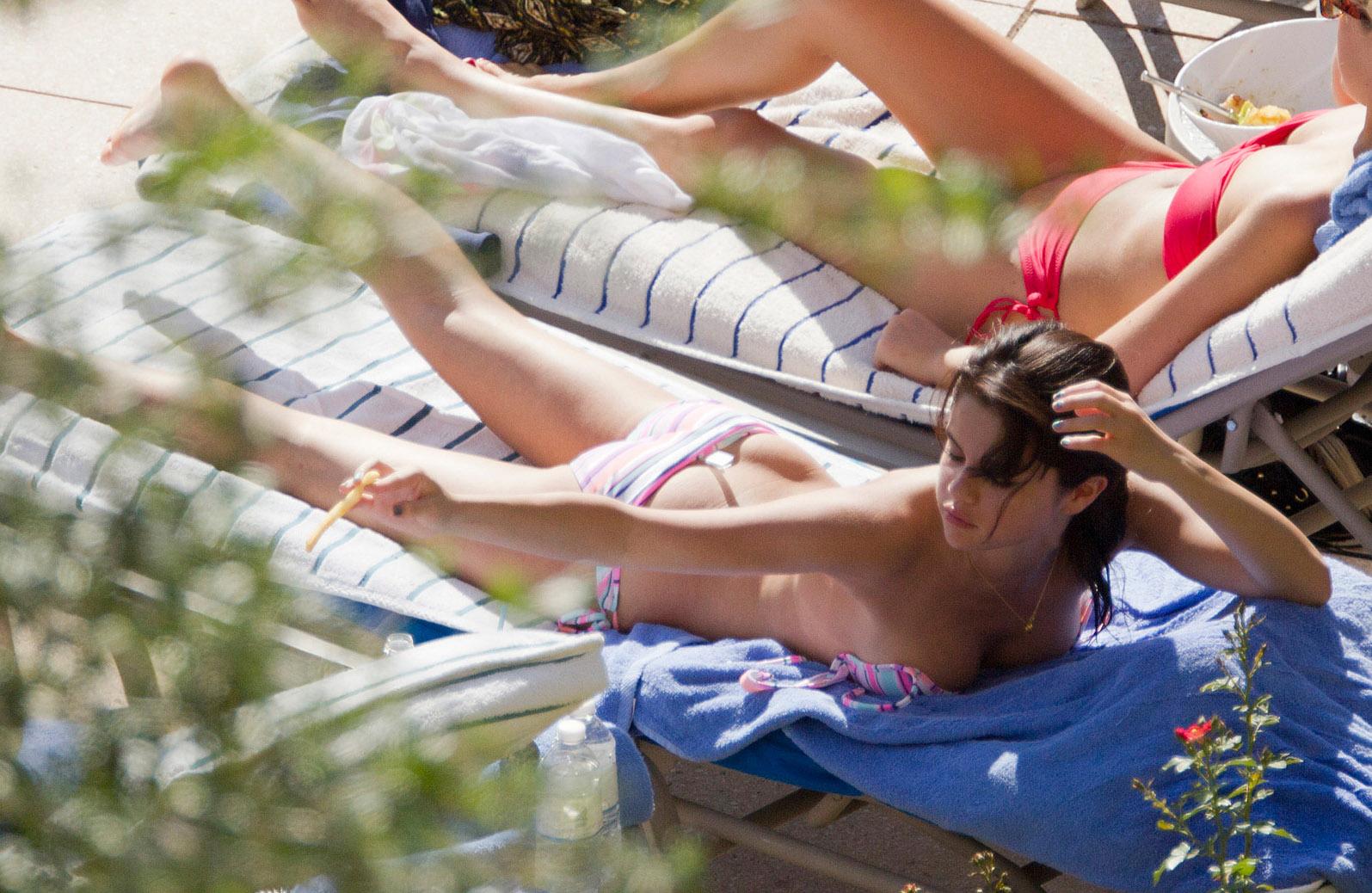 Фото голых русских нудисток, Голые русские нудисты и секс с нудистками эротика 23 фотография