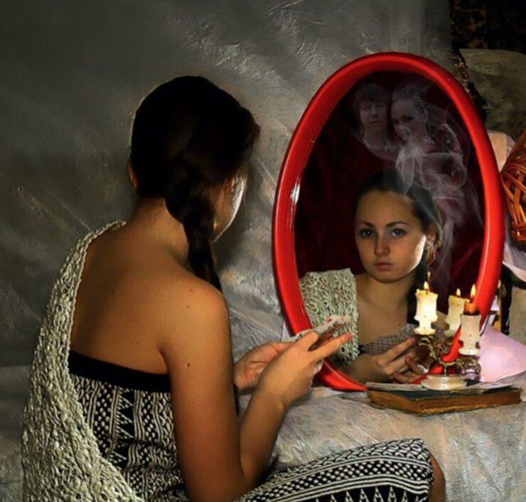 Заговор на деньги в зеркале заговоры чтоб муж деньги не тратил