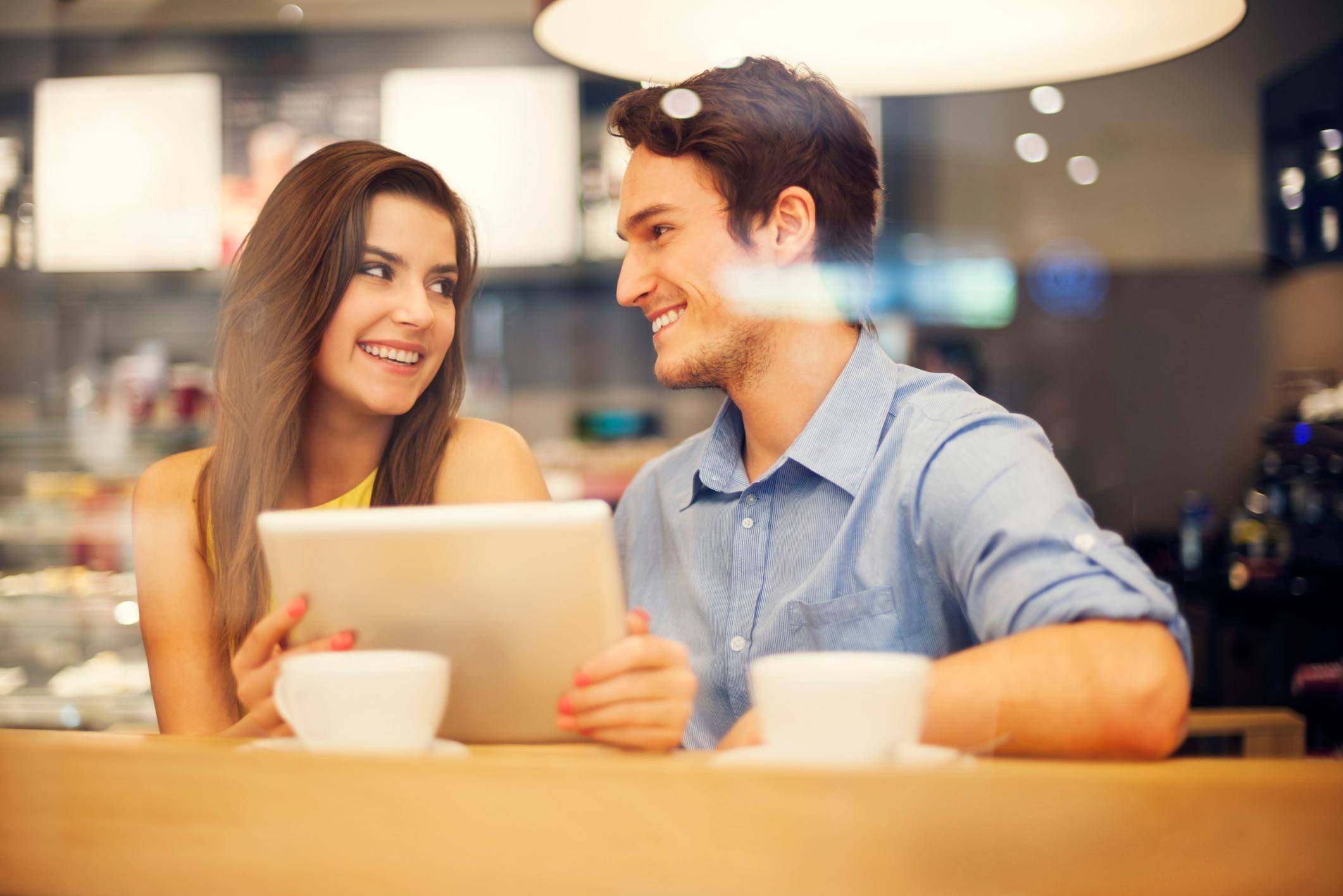 С чего начинать общение в сайтах знакомств