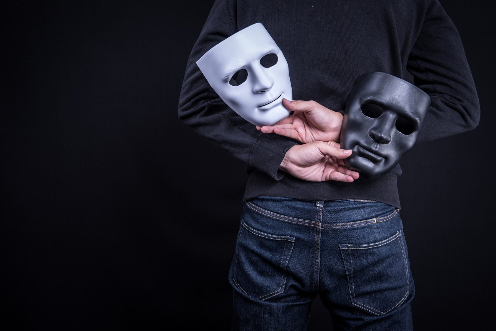 картинки про маски людей предложу несколько вариантов