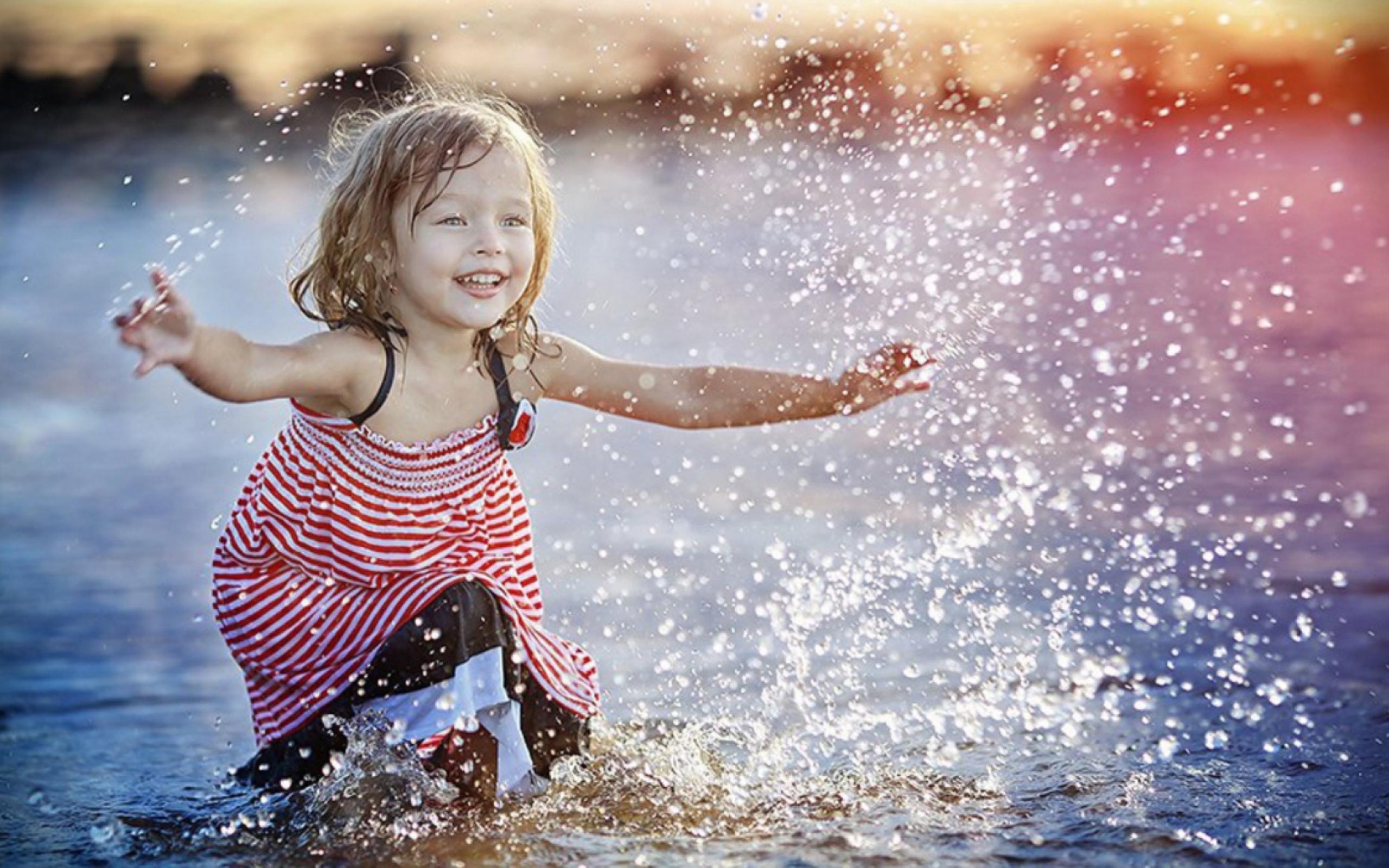 happy little girl - 1200×750